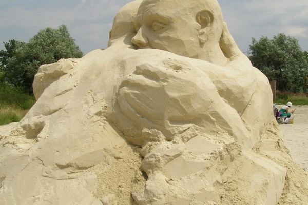 """Sand Sculpture"" by  Erich Ferdinand https://www.flickr.com/photos/erix/2600692803/in/photolist-myxDgJ-4XPen6-5wrz1p-bwS2SS-6hbPDy-7sgzvB-Dqf2gL-drTJHi-aBX7pm-B4X7jr-AA5SK1-bjacRn-6dFcd8-3GMz8-4UCggn is licensed under CC BY 2.0"